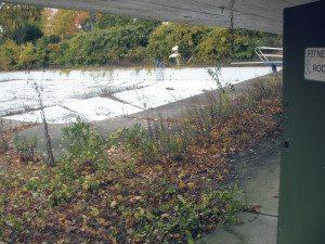 An empty pool at Roslyn CC