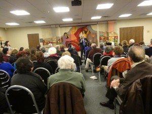Eric Fingerhut spoke to a full house at Temple Sinai.